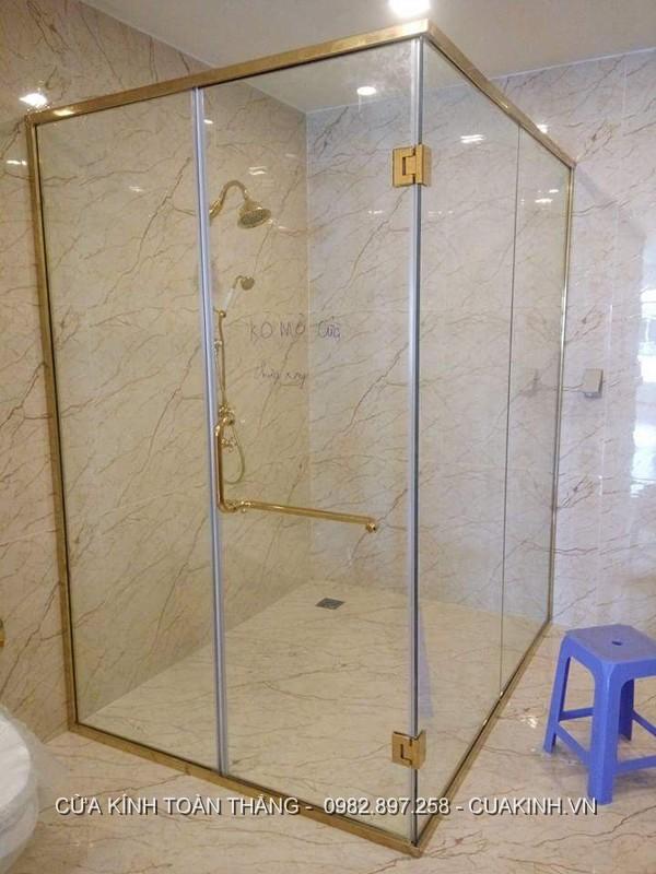 Vách kính nhà tắm phụ kiện mạ vàng