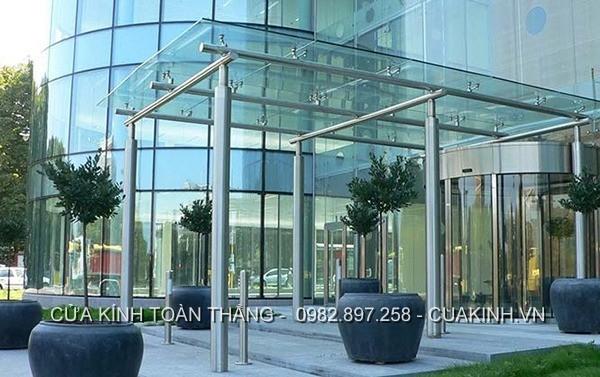 Mái sảnh kính toà nhà hiện đại