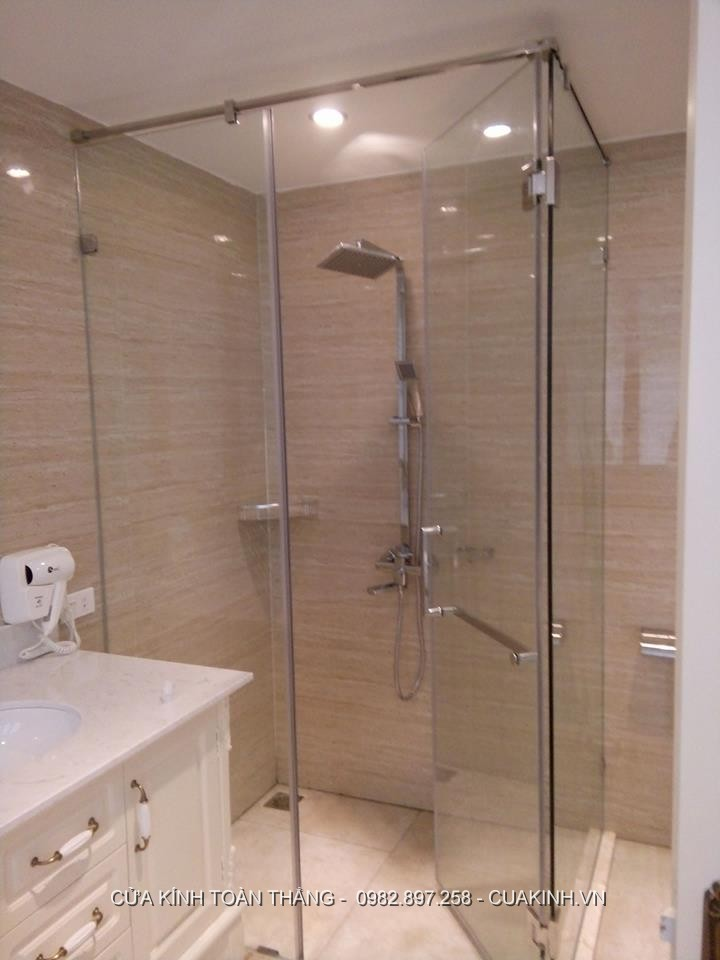 Những lối phòng tắm kính hay hỏng thường gặp