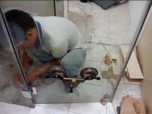 sửa phòng tắm kính