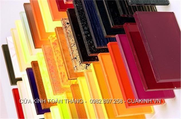 Bảng màu kính cường lực ốp tường bếp mới nhất 2021
