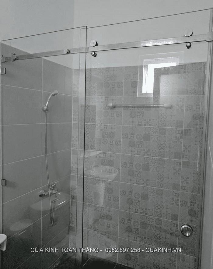 Cửa kính trượt lùa phòng tắm có nhiều ưu điểm