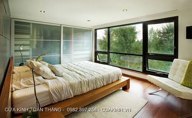 Cửa kính cường lực phòng ngủ khung nhôm